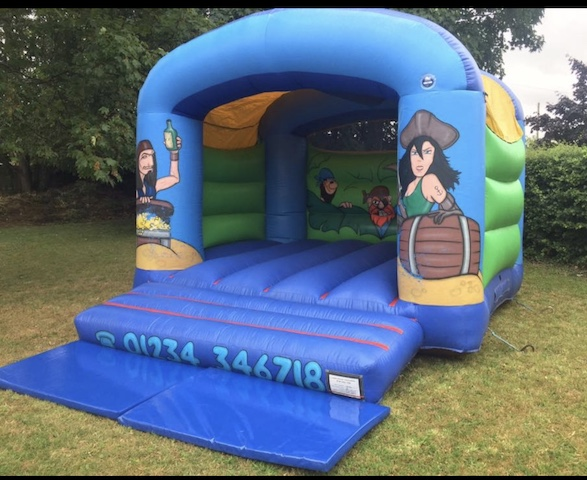 pirate bouncy castle2